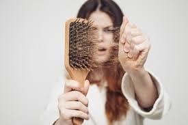 perdida-de-cabello-en-primavera