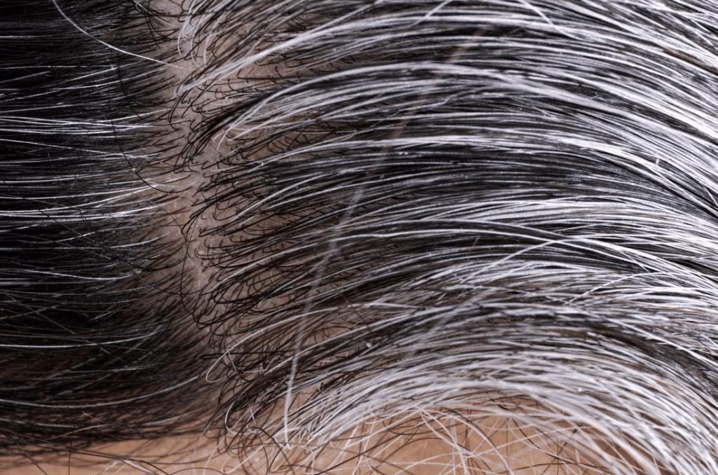 cabello-blanco-con-canas