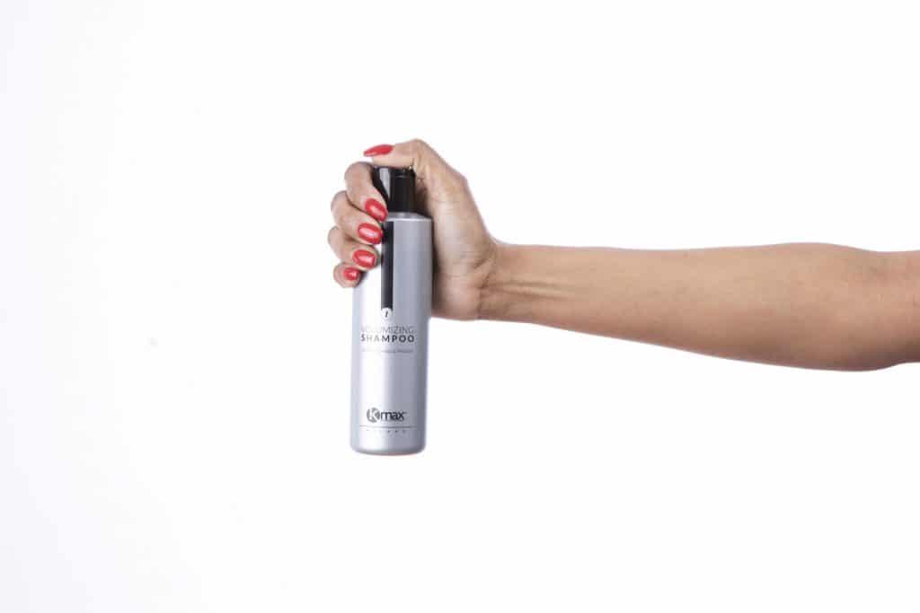 Champú voluminizador: Kmax Volumizing Shampoo